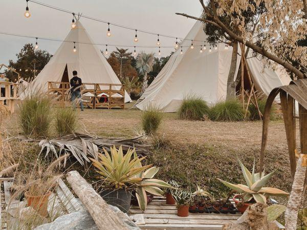 苗栗露營|Lofi-land自然圈農場|免裝備懶人露營、網美露營首選,冬天泡湯還能吃美式BBQ