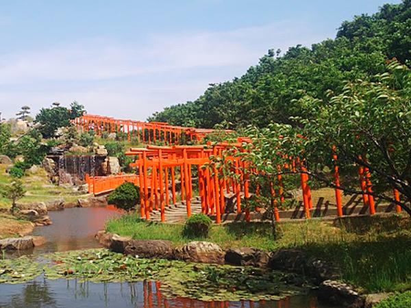 【青森】高山稻荷神社:無數的狐狸和千鳥居 還有一個訴說故事的展望台