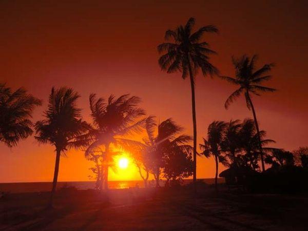 【峇里島】美得令人窒息!神明棲息之島的絕美日落景點5選-海神廟、烏魯瓦圖廟、庫塔海灘