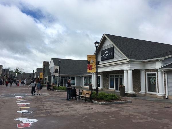 【購物景點】Woodbury common premium outlets