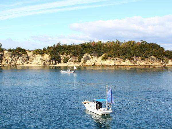 【日本|瀨戶內海|交通】淡季到瀨戶內海小島旅行.交通全紀錄篇.海上藍天白雲風光好美