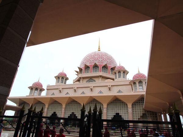 【馬來西亞|吉隆坡|景點】粉紅清真寺Masjid Putra.瑰麗色彩很特別